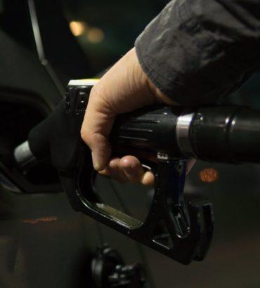 Wie man ganz einfach am Benzin-Preis sparen kann